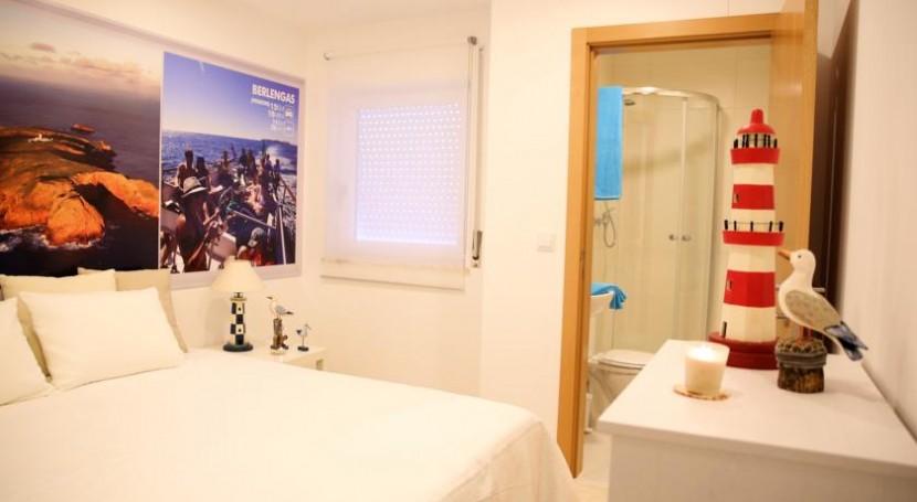 """David dos Santos abre as portas do Hostel Paradise, na Areia Branca: """"O Oeste é muito mais forte que o Algarve"""""""