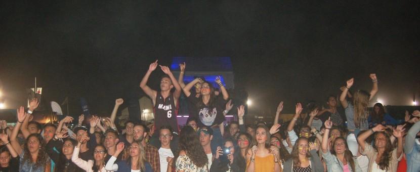 Noite de Sexta-Feira com 8000 pessoas no Santa Cruz Ocean Spirit
