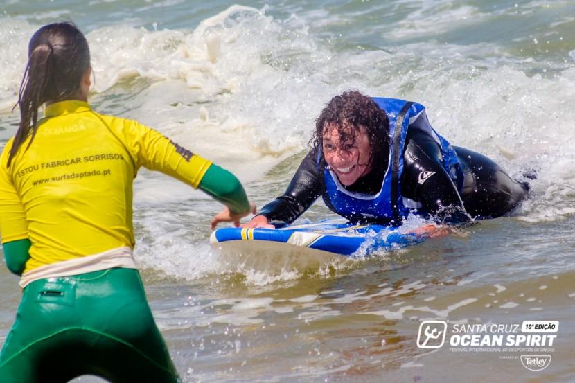 Depois de já ter passado pela Praia da Rocha, São Torpes, Praia das Milícias (Açores), a Surf Addict visitou assim Santa Cruz.