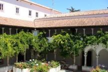 mosteiro-de-santo-antonio-do-varatojo-216x144.jpg