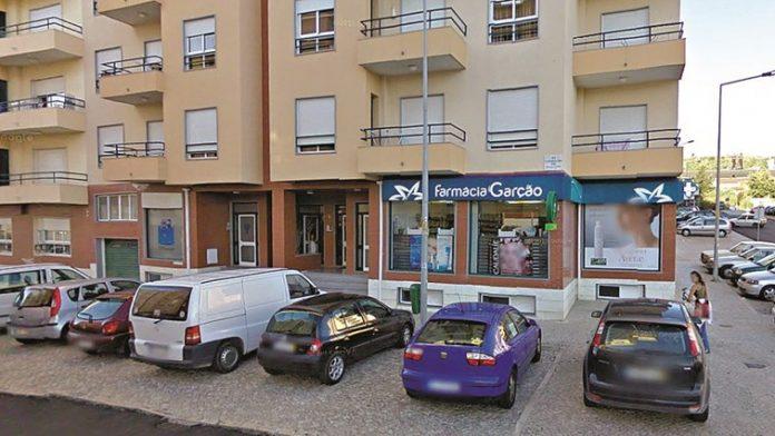 Assaltante espalha terror em farmácia de Torres Vedras