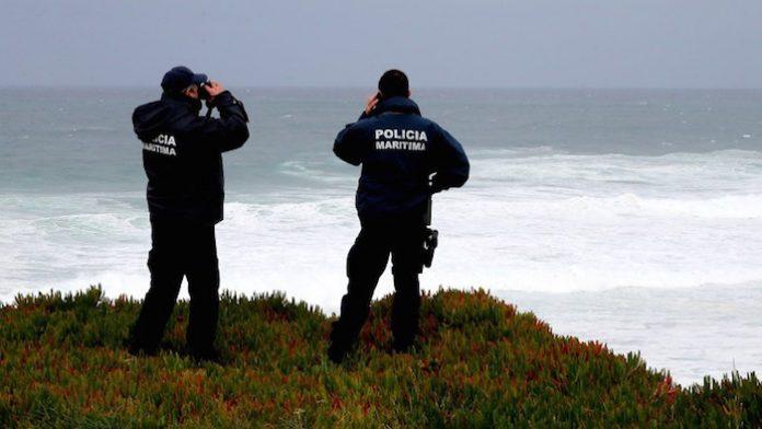 Cadáver encontrado a boiar junto à costa em Peniche