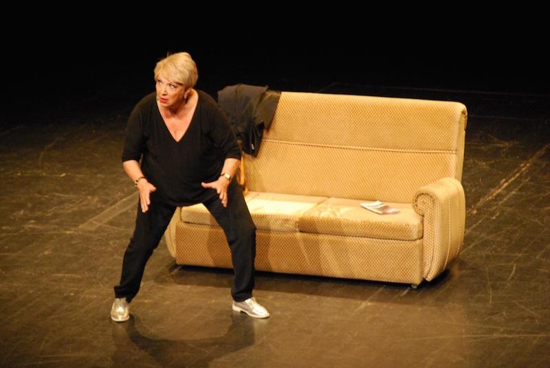 """Ana Bola e outros """"rolaram"""" no palco do Teatro-Cine"""