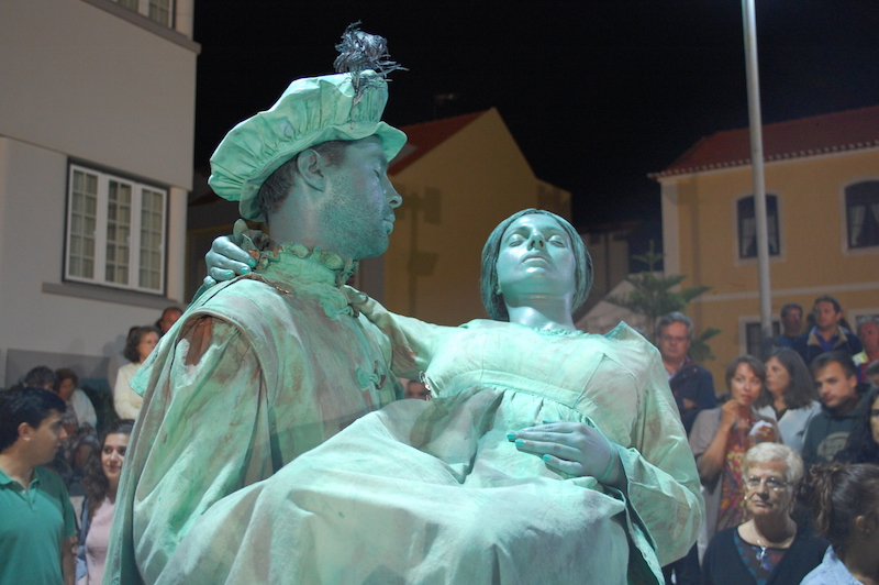 """Homens estátua voltam a """"invadir"""" o centro de Santa Cruz"""