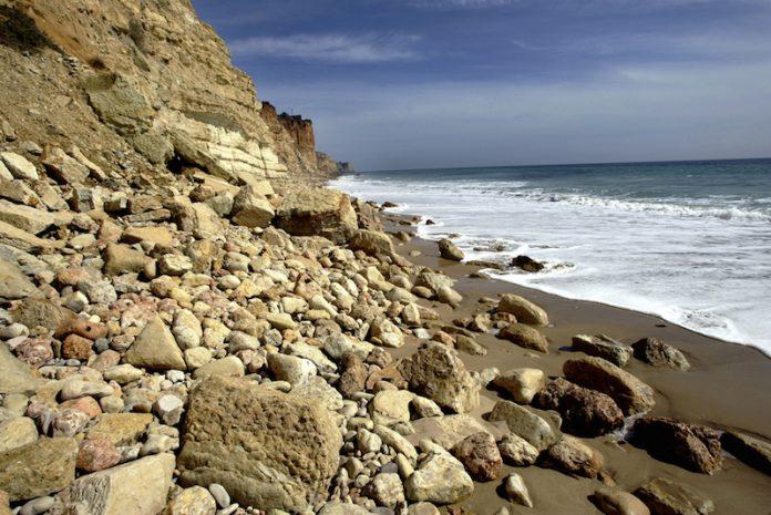 Ambiente com verbas comunitárias para prevenir erosão costeira