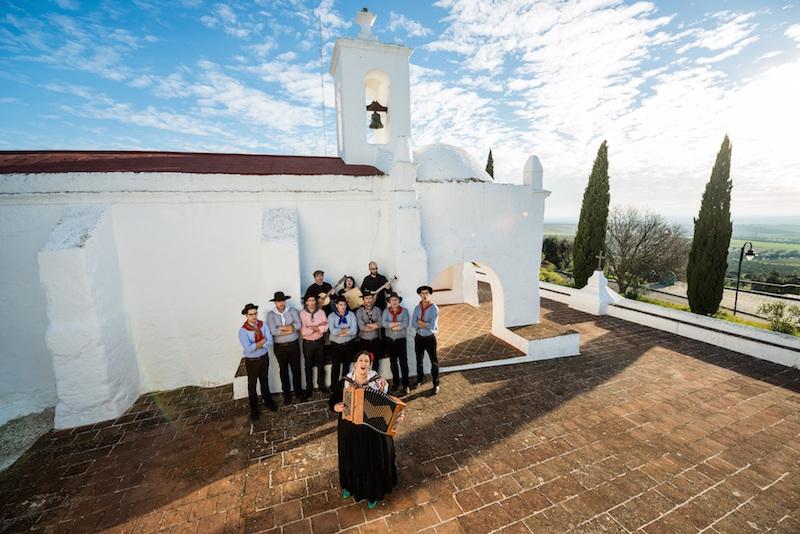 Celina da Piedade homenageia cante alentejano no festival de acordeões de Torres Vedras