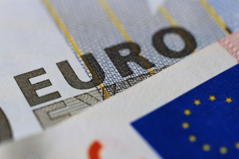 Portugal tem 6º maior défice e 3ª maior dívida da zona euro em 2015