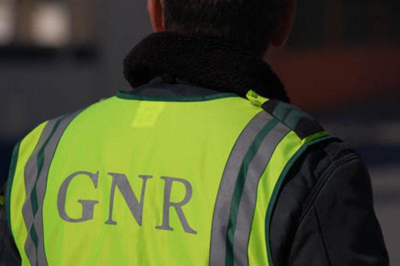 GNR julgado em Sintra por atingir a tiro suspeito em fuga após dois assaltos na zona de Torres Vedras
