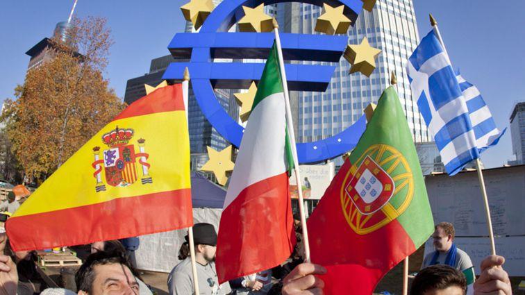 Juros da dívida a dez anos descem em Portugal, Itália, Grécia, Espanha e na Irlanda