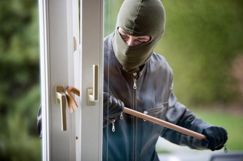 GNR detém homem em flagrante delito por furto em residências