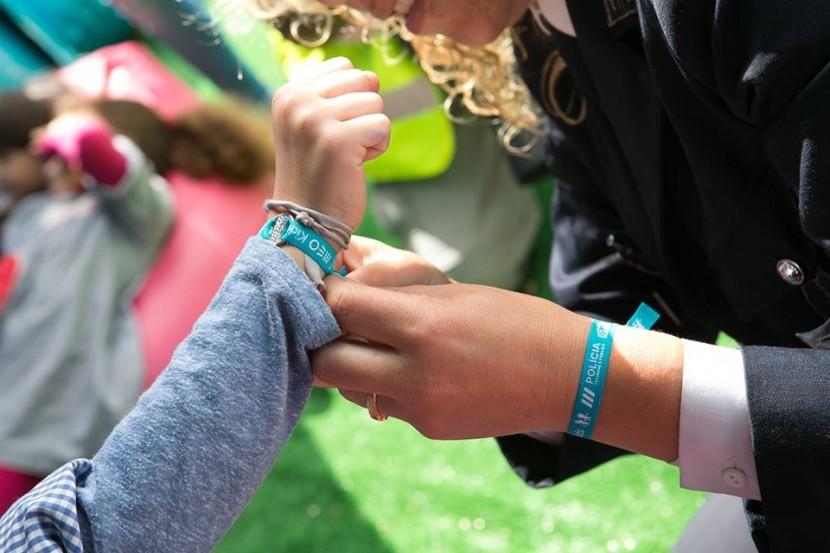 """PSP começa hoje a distribuir pulseiras do programa """"Estou Aqui"""" para adultos"""