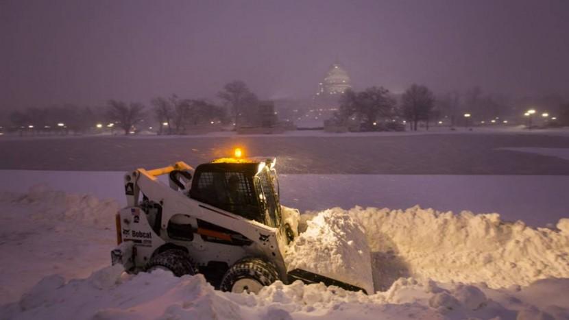 Pelo menos oito mortos na maior tempestade nos EUA nos últimos anos