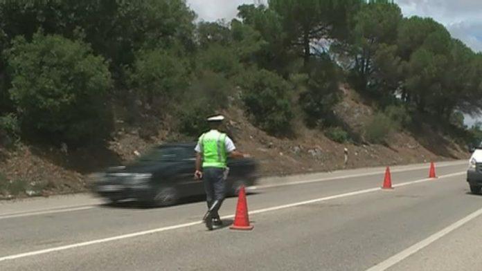 Cinco mortos e 17 feridos graves em 499 acidentes na operação Ano Novo da GNR