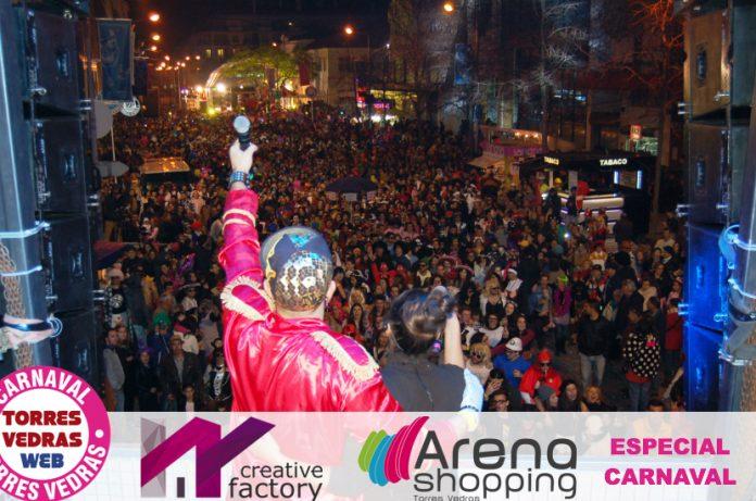 Tó'Candar leva ao rubro milhares de foliões nas ruas de Torres Vedras