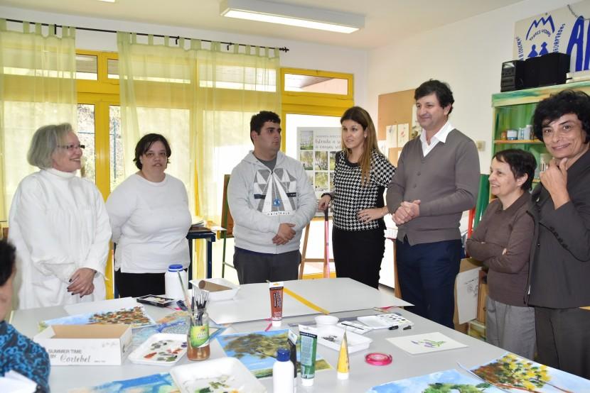 Secretária de Estado da Inclusão das Pessoas com Deficiência visita a APECI