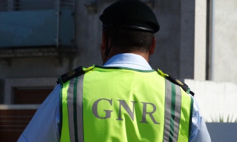Militar da GNR de Torres Vedras entre os 15 detidos na operação Aquiles