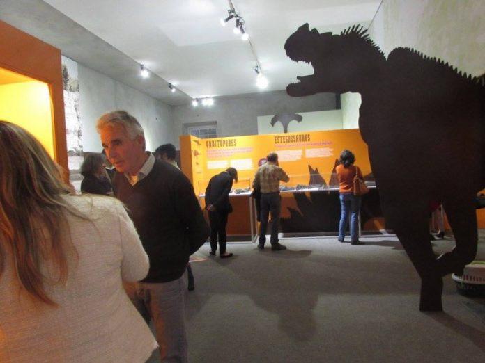 Sociedade de História Natural e Câmara Municipal de Torres Vedras levam exposição de dinossauros ao Museu Nacional de História Natural e da Ciência