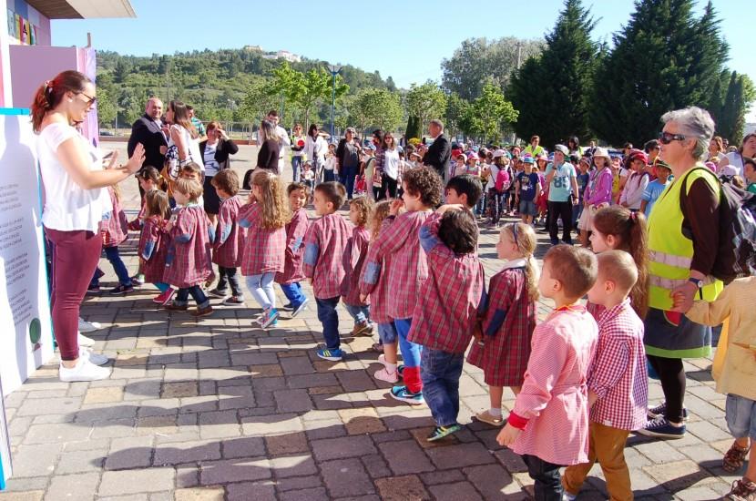 Primeira manhã do Oeste Infantil leva milhares de crianças à Expotorres