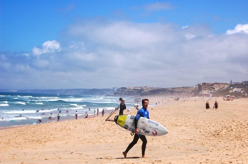 Quando os desportos de ondas invadem as praias de Santa Cruz