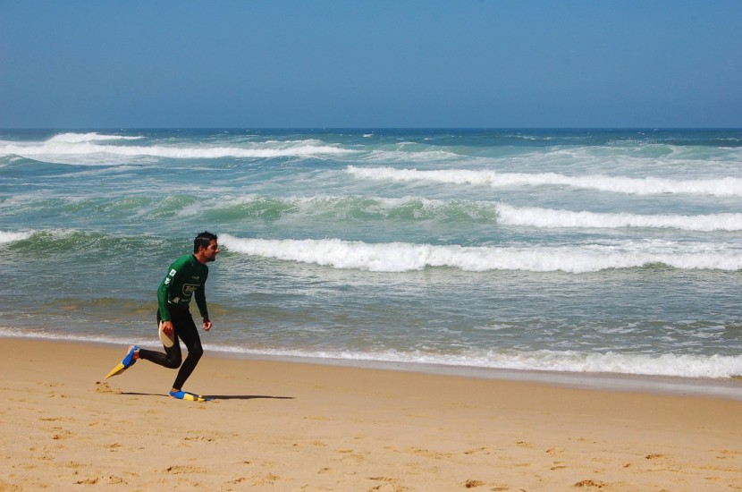 Campeonato Nacional de Bodysurf em Santa Cruz.