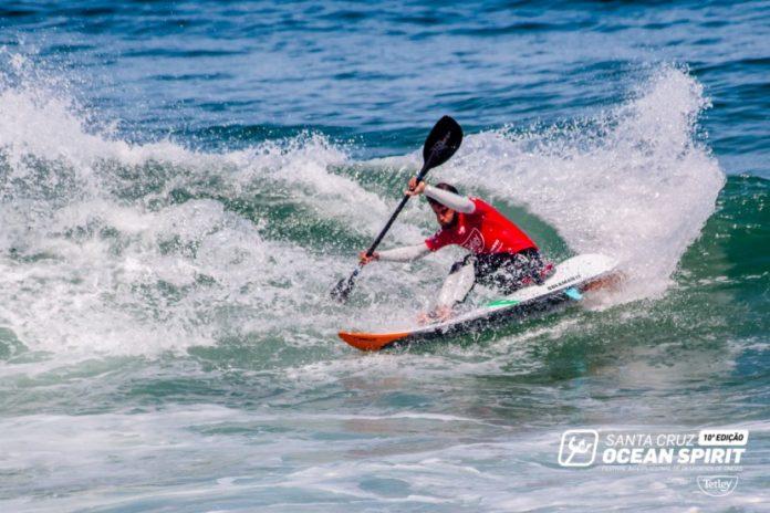 Ocean Spirit World Waveski Surfing Titles: continua a busca de campeões
