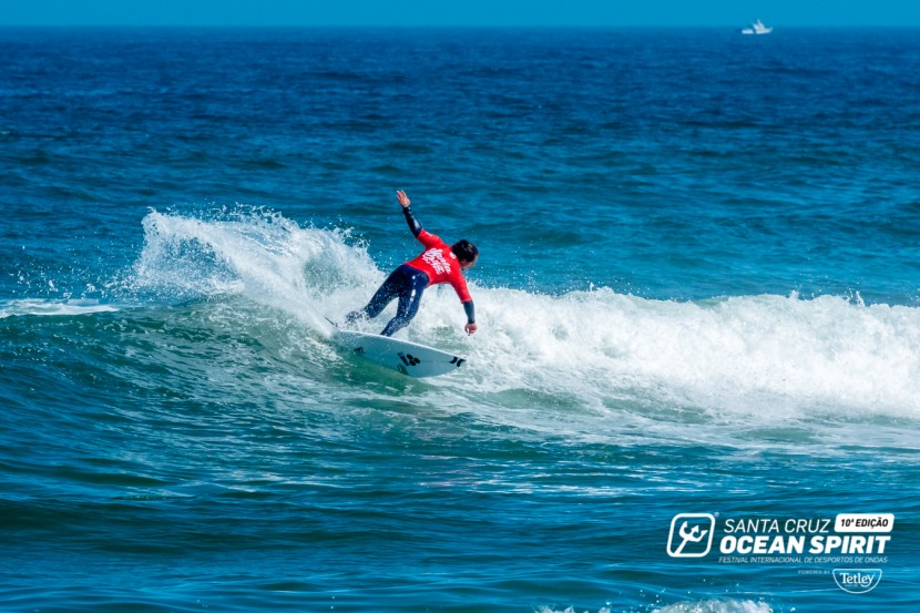 Ocean Spirit World Waveski Surfing Titles continua na Praia do Centro