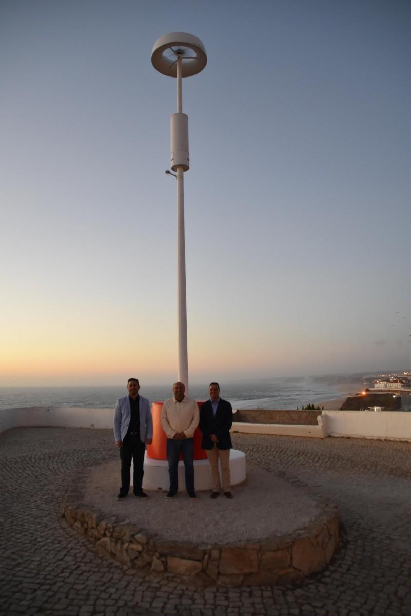 """Candeeiro """"inteligente"""" foi instalado no miradouro da Praia Formosa"""