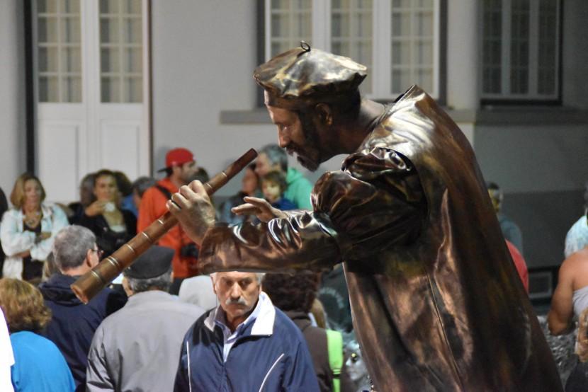 """""""Onda"""" de veraneantes voltou ao centro de Santa Cruz para assistir ao Static"""