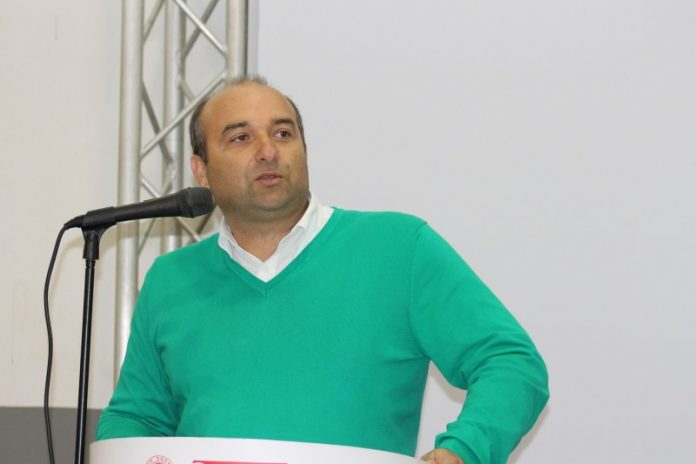 Jorge Ralha acusa Carlos Bernardes de plágio na tese de doutoramento