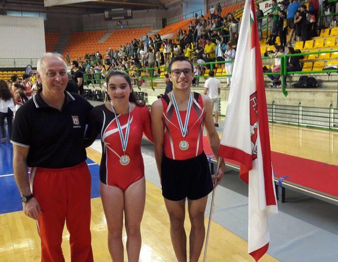 Carlos Pinto e Sara Costa vencem em Espanha
