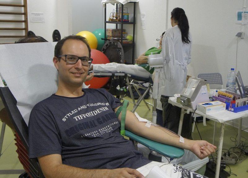 Dezenas de dadores de sangue ontem na Física