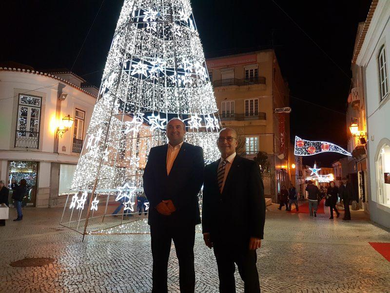Em Torres Vedras já há iluminação de Natal