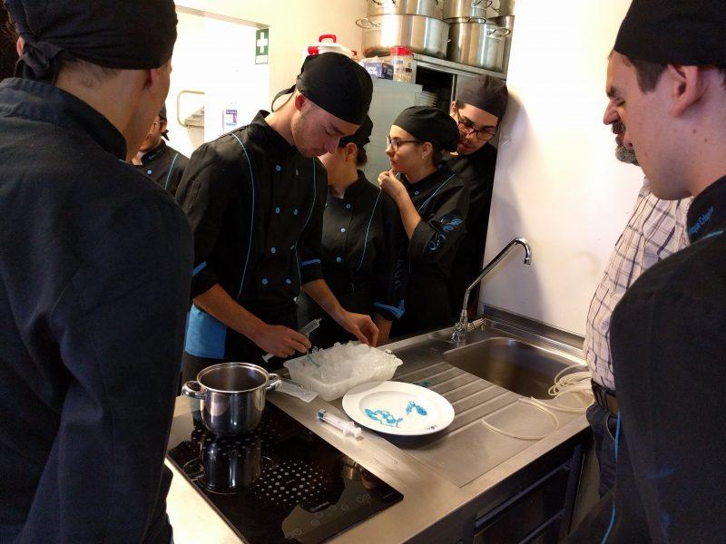 Alunos da ESCO com workshop de cozinha molecular