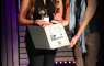 Sara Eustáquio recebe 2 estatuetas em Hollywood!