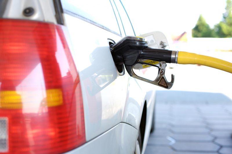 Gasolina volta a subir, gasóleo mantém o preço