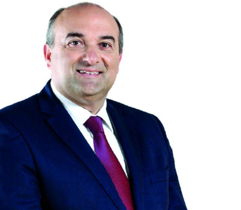 Carlos Bernardes eleito Presidente da FRO