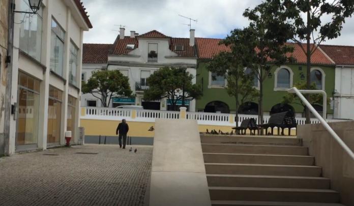 Vídeo: Opinião dos torrienses sobre corte do trânsito no centro histórico