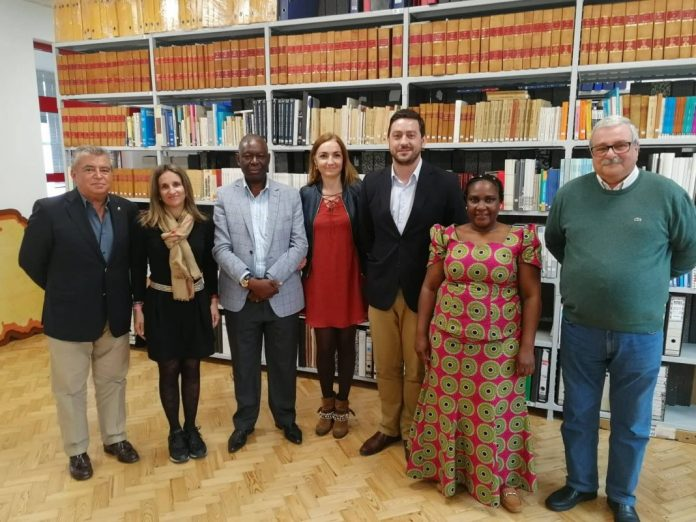 Delegação do Uíge esteve nos SMAS de Torres Vedras