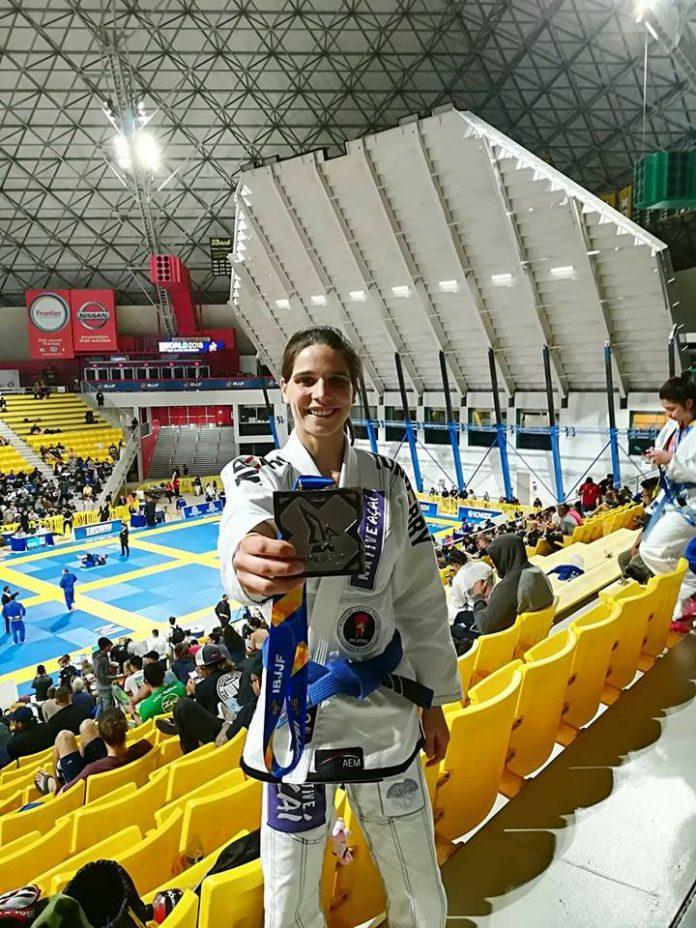 Rafaela Rosa sagra-se vice-campeã mundial de Jiu-Jitsu