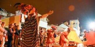 Fotogaleria: A folia espalhou-se por Santa Cruz com o Carnaval de Verão