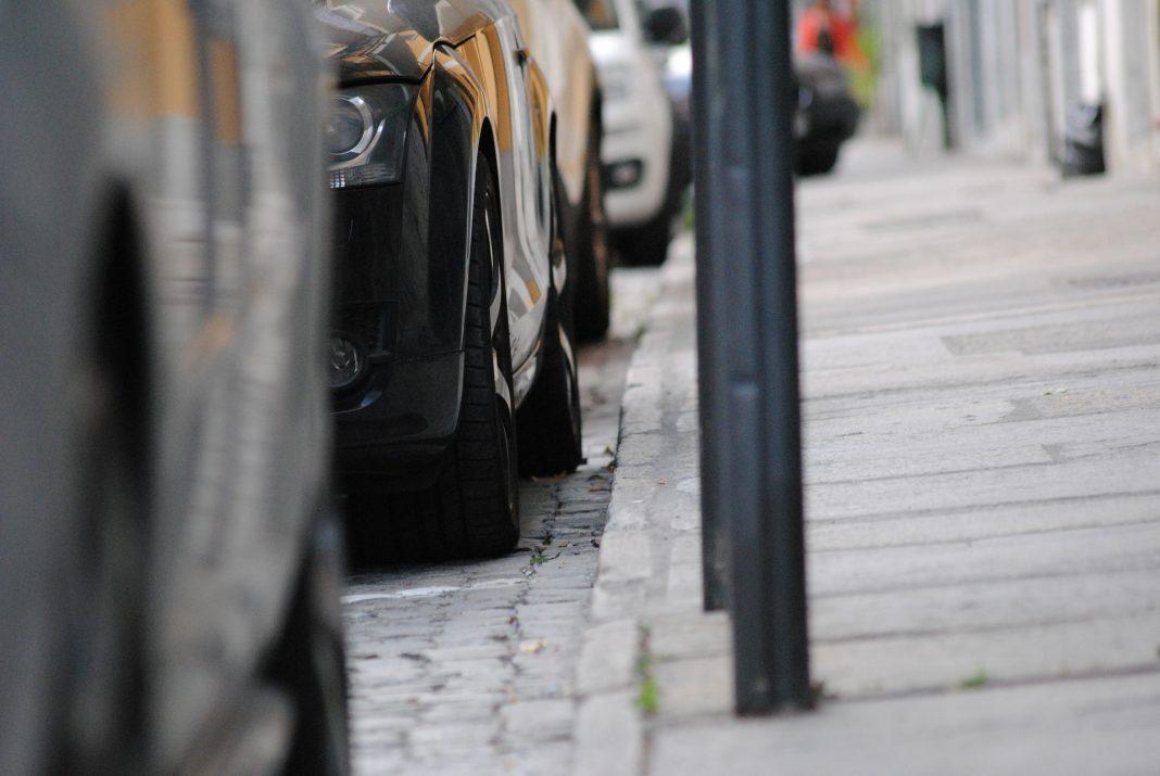 Saiba quais as alterações no procedimento de renovação do Selo de Estacionamento de Residente na cidade