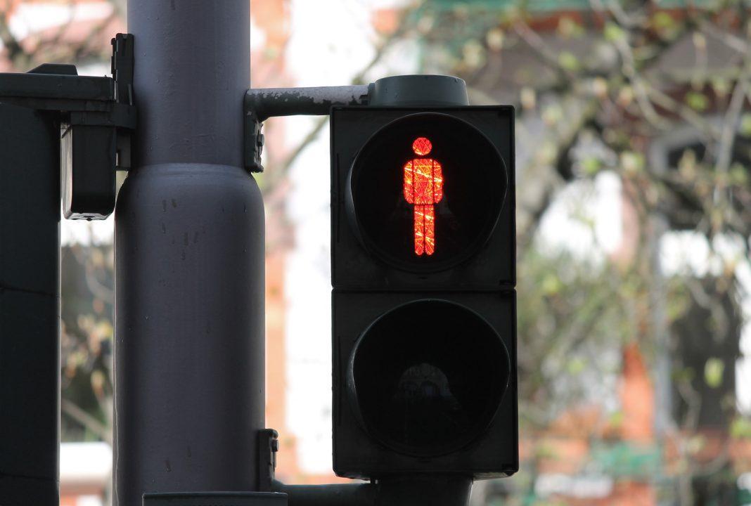 Há um projeto para instalar sinais luminosos e sonoros nas passadeiras mais movimentadas de Torres Vedras