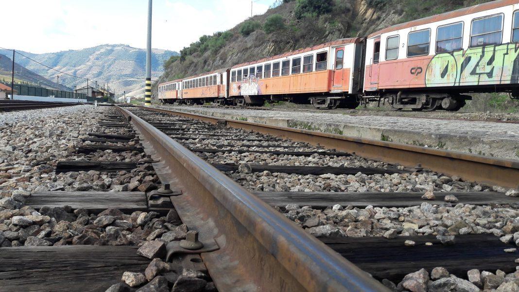 Linha do Oeste com cada vez menos horários adequados aos passageiros