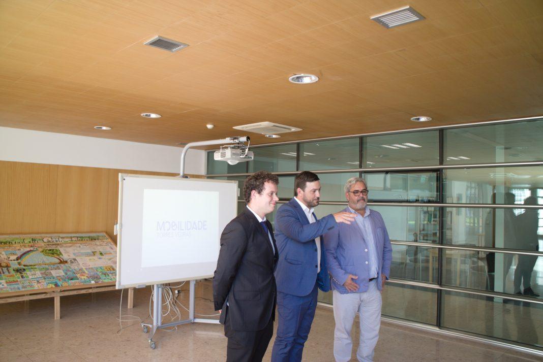 Protótipo de autocarro 100% elétrico apresentado ontem em Torres Vedras