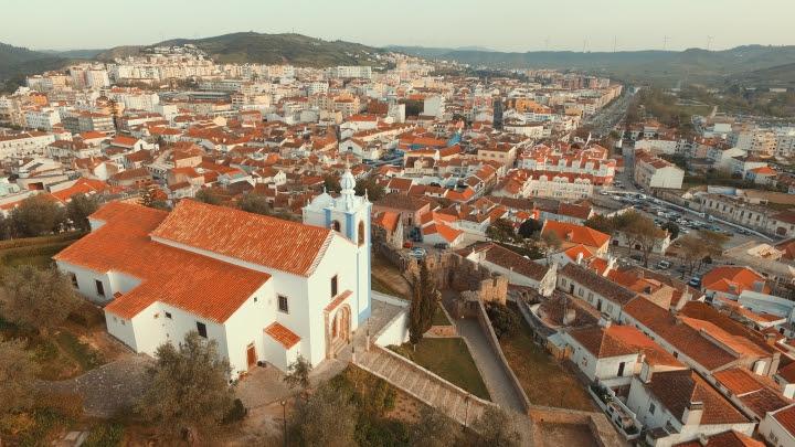 Roteiro cultural pelas igrejas do centro histórico de Torres Vedras