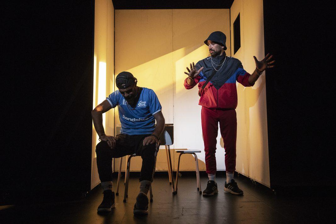 """À espera de Godot"" no Teatro-Cinde de Torres Vedras"