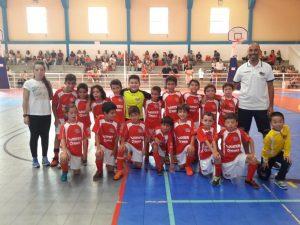 Escalões de formação de futsal da Casa Benfica de Torres Vedras foram apresentados no domingo