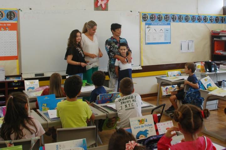 """Projeto """"Eu vou a pé para a escola"""" promove a autonomia das crianças"""