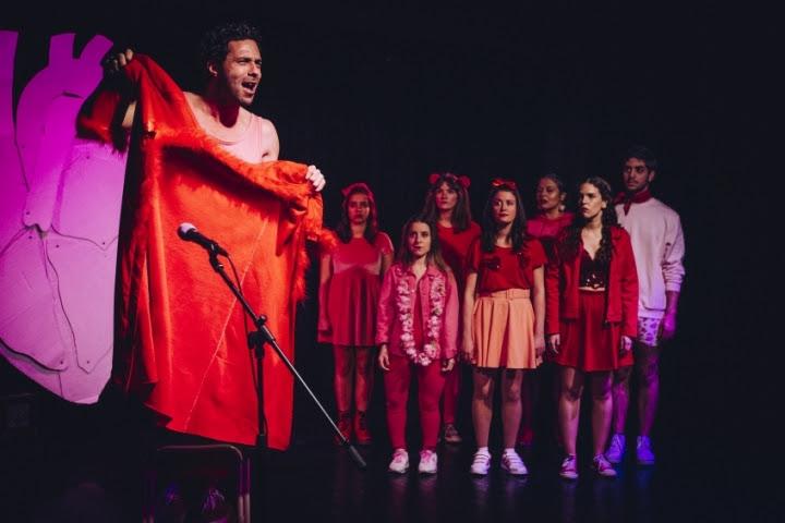 """""""Ode ao Amor ou Morte ao Sistema Límbico"""" em cena no Teatro-Cine"""