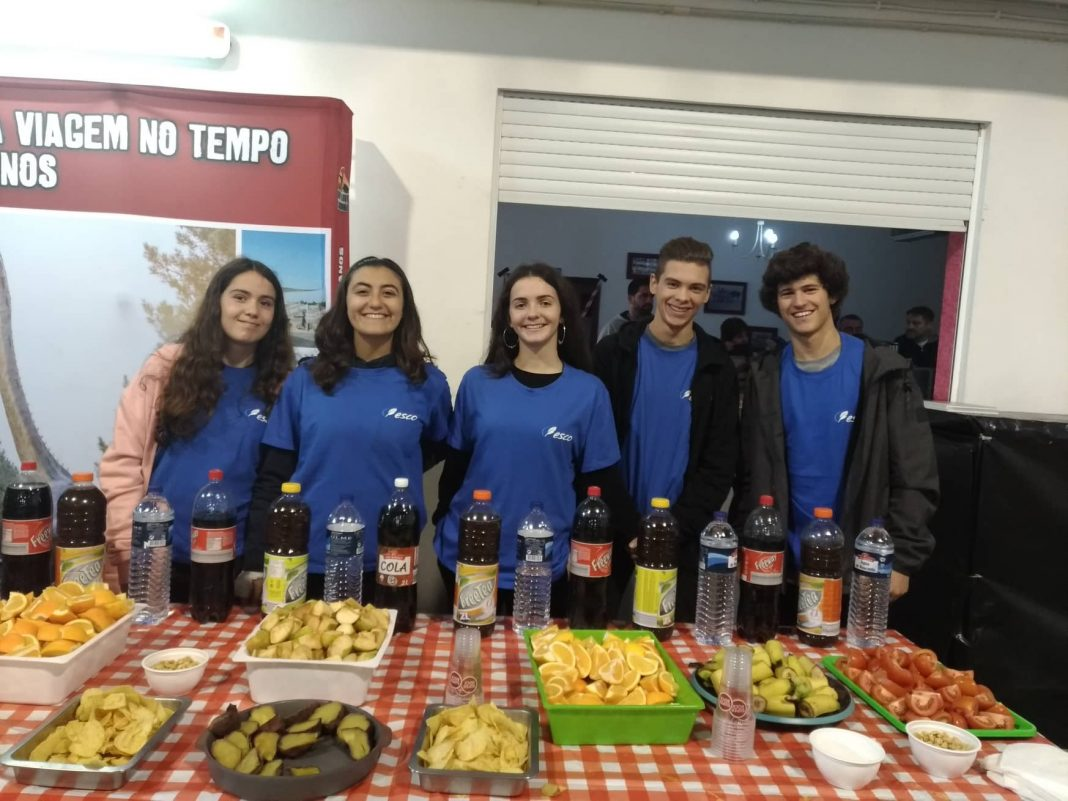 Alunos da ESCO ajudaram na organizaçãodo Ultra Carrossel Planalto das Cesaredas